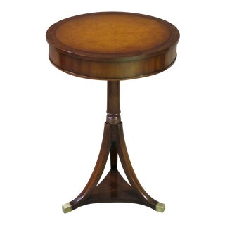 1950s Traditional Kittinger Round Accent Table For Sale