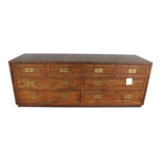 1970s Vintage Henredon Campaign 7 Drawer Bedroom Dresser For Sale