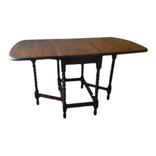 19th Century English Traditional Pembroke Table For Sale