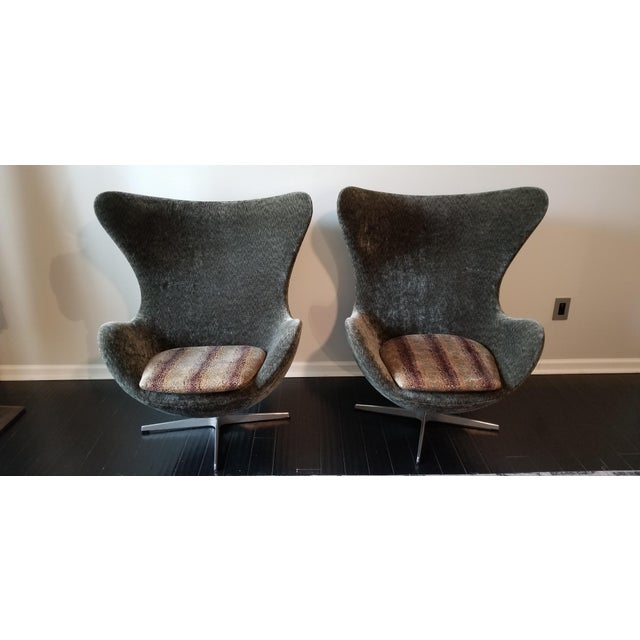 Arne Jacobsen for Fritz Hansen Egg Chairs - a Pair For Sale - Image 12 of 12