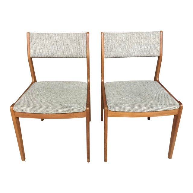 Vintage Mid Century Danish Modern Oak Chairs- A Pair For Sale