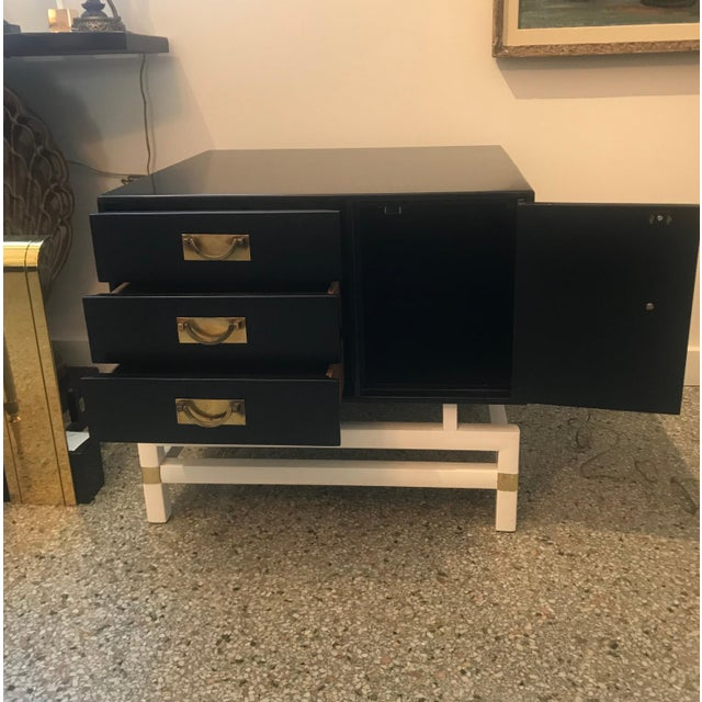 Metal Mid-Century Modern Black and Brass Nightstands on White Base - a Pair For Sale - Image 7 of 10