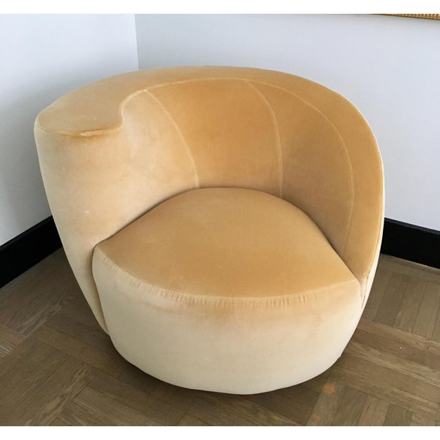 Directional Vladimir Kagan for Directional Nautilus Swivel Chair Upholstered in Kravet Gold Velvet For Sale - Image 4 of 5