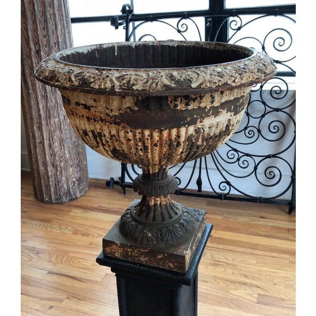 Neoclassical 19th Century Neoclassical J.W. Fiske Cast Iron Urn For Sale - Image 3 of 8