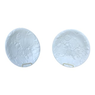 1960s White Italian Majolica Plates - a Pair For Sale