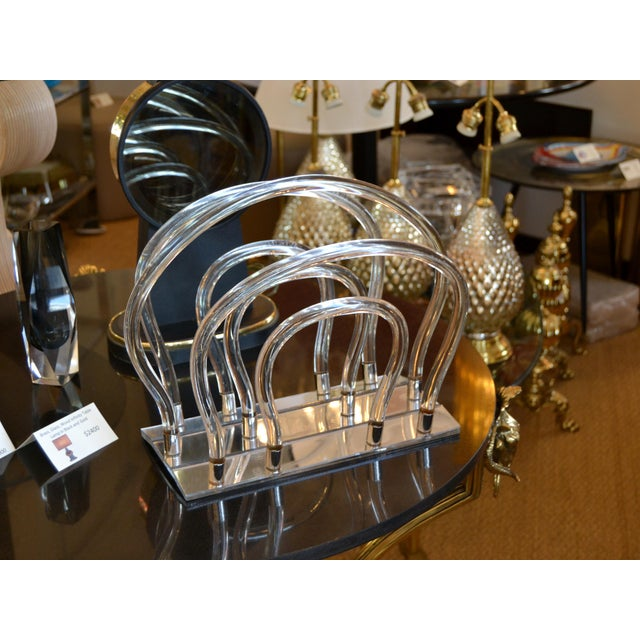 Dorothy Thorpe Mid-Century Modern mirrored Glass Magazine Rack in Lucite and Chrome. Beautiful piece for any interior...