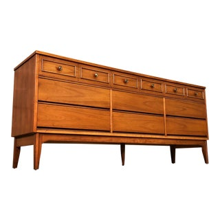 Dixie Mid-Century Modern 9-Drawer Dresser