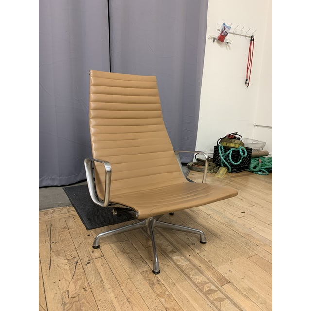 Mid-Century Modern Mid-20th Century Eames Aluminum Group Lounge Chair For Sale - Image 3 of 12