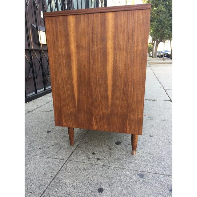 Hooker Mainline Mid-Century Modern Dresser For Sale In Los Angeles - Image 6 of 9