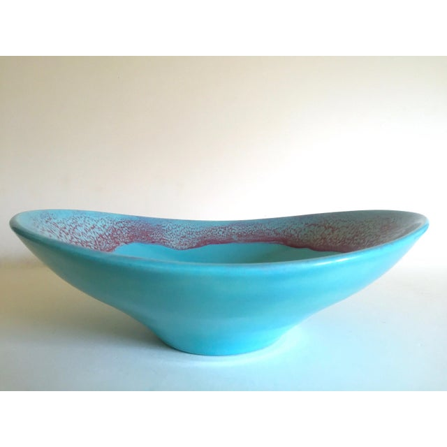 Early 20th Century Vintage Mid Century Modern Studio Pottery Aqua Blue Drip Glaze Oval Ellipse Ceramic Pedestal Bowl For Sale - Image 5 of 13