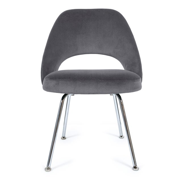 Knoll Saarinen Executive Armless Chairs in Gunmetal Velvet - Set of 6 For Sale - Image 4 of 5