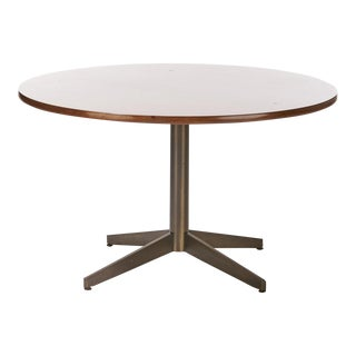 1970s Mid-Century Modern Round Walnut Dining Table For Sale