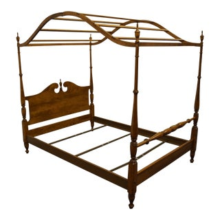 Ethan Allen Heirloom Nutmeg Maple Colonial Style Full Size Canopy Bed 10-5622 For Sale