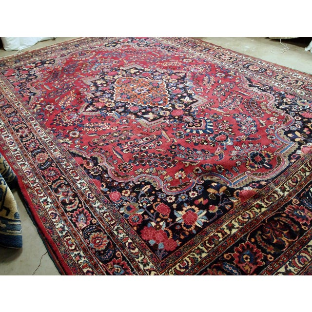 1910s handmade antique Persian Mashad rug 10.2' x 13.9' For Sale In New York - Image 6 of 11