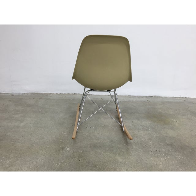 Eames Side Shell Rocking Chair - Image 4 of 8