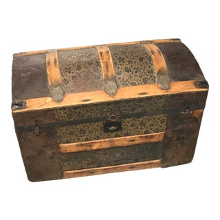 Antique Round Top Travel Chest For Sale