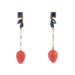 Vintage Sapphire Red Coral Strawberry 14 Karat Yellow Gold Earrings For Sale
