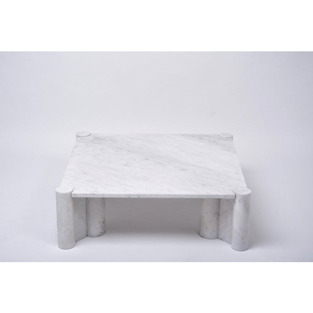 Mid-Century Modern Jumbo White Marble Coffee Table by Gae Aulenti, 1970s For Sale - Image 3 of 11