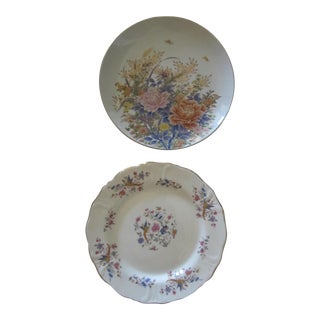 Chinoiserie Flower & Bird Plates - a Pair For Sale