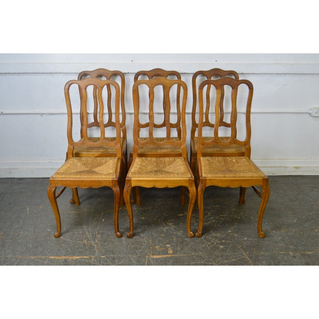 French Country Style Antique Oak Rush Seat Dining Chairs - Set of 6 For Sale In Philadelphia - Image 6 of 13