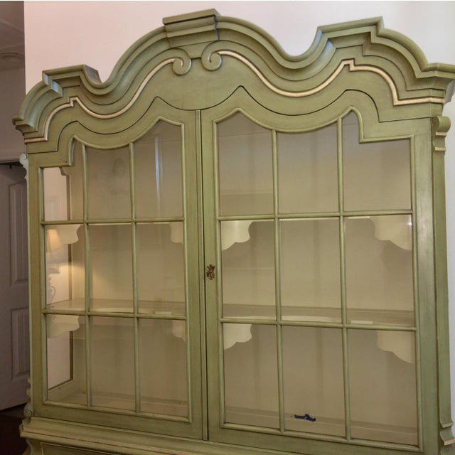 Dorothy Draper Henredon Viennese Collection Display Cabinet For Sale - Image 9 of 11