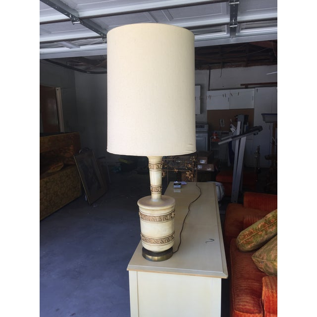 1960's Mid-Century Modern Ceramic Table Lamp With Shade - Image 4 of 4