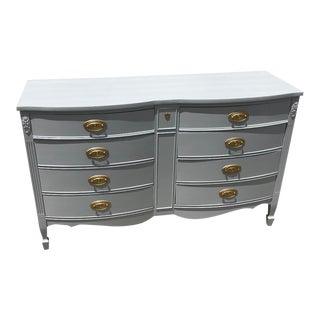 Dixie Hepplewhite Light Gray Lacquered Serpentine Chest For Sale