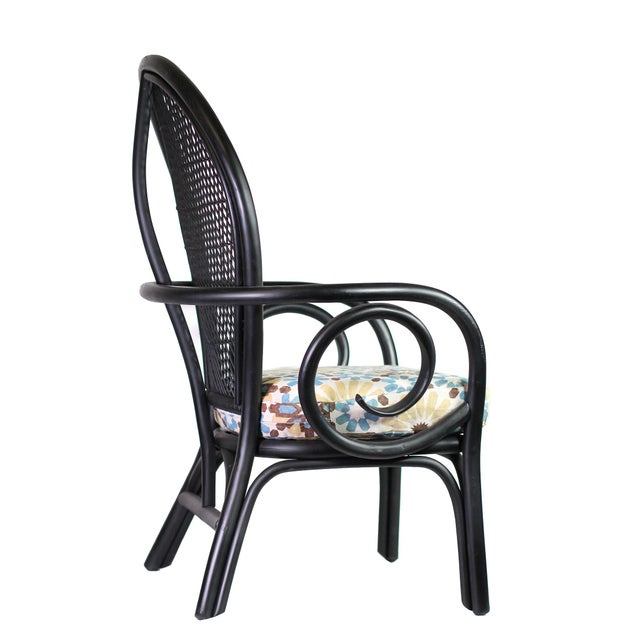"""Mid-Century Modern 1960's Black Thonet Style Bentwood Peacock Arm Chair With New Martyn Lawrence Bullard's """"Marakesh"""" Linen Cushion For Sale - Image 3 of 8"""