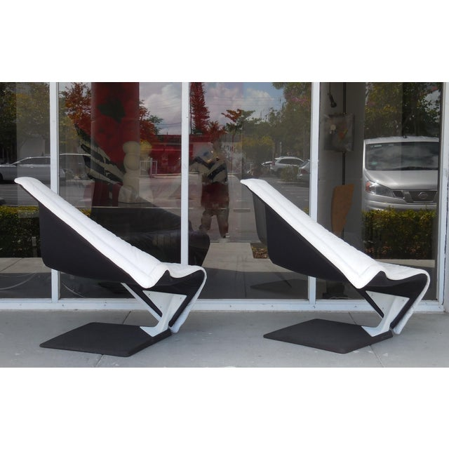 Late 20th Century Flying Carpet White Leather Chairs by Simon Desanta for Rosenthal For Sale - Image 5 of 9