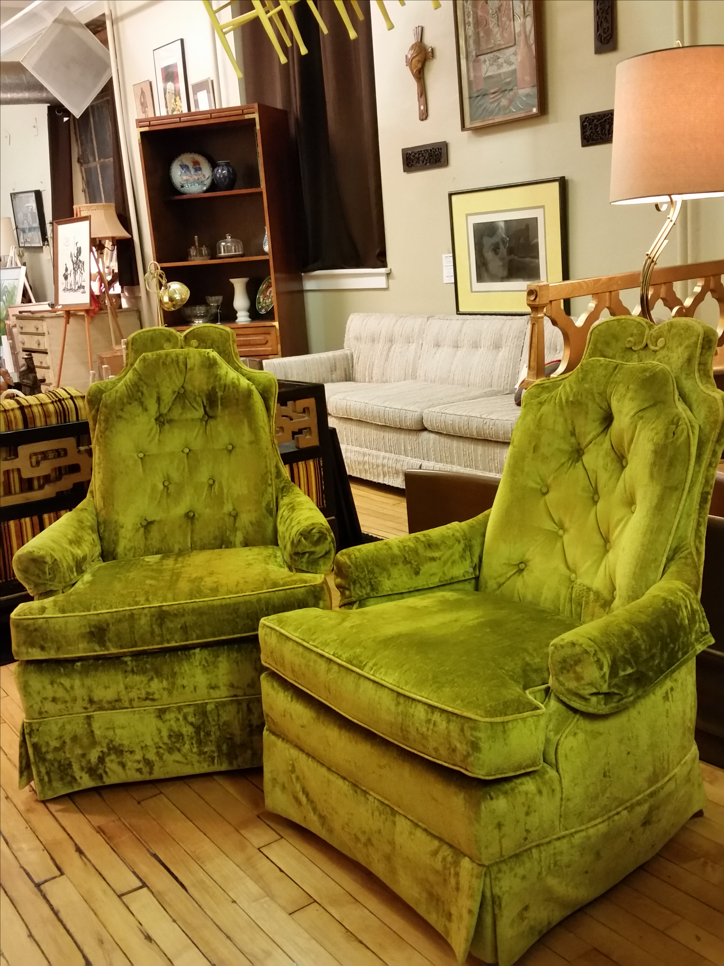 Merveilleux Hollywood Regency Chartreuse Chairs   Pair   Image 2 Of 9