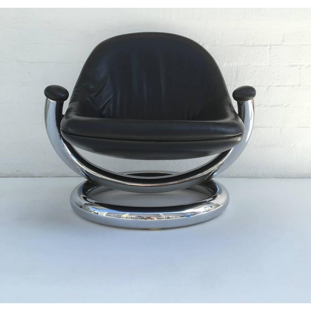 Mid-Century Modern Chrome and Black Leather Anaconda Lounge Chair by Paul Tuttle For Sale - Image 3 of 10