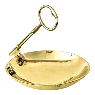 Vintage Virginia MetalCrafters Solid Brass Bowl With Key Handle For Sale