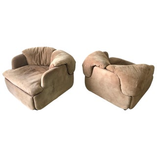 "Rare Pair of Suede ""Confidential"" Armchairs or Club Chairs by Alberto Rosselli For Sale"