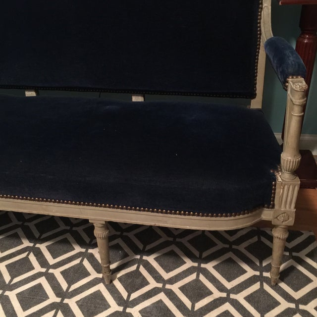 Neoclassical French Blue Velvet Settee For Sale - Image 4 of 7