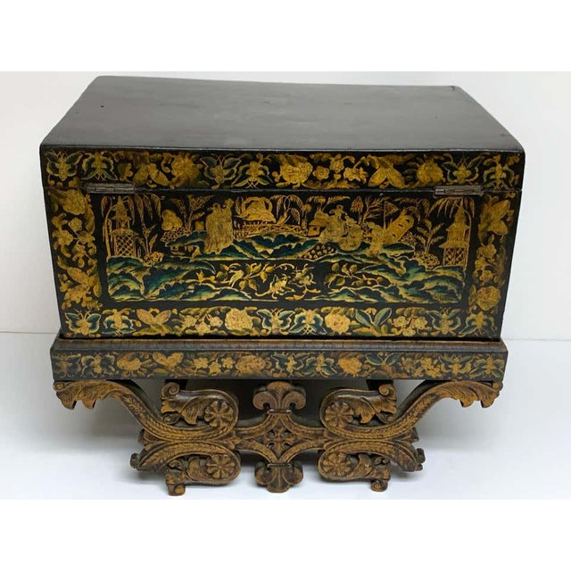 Chinese Export Lacquer Box & Stand, Circa 1820 For Sale - Image 11 of 13
