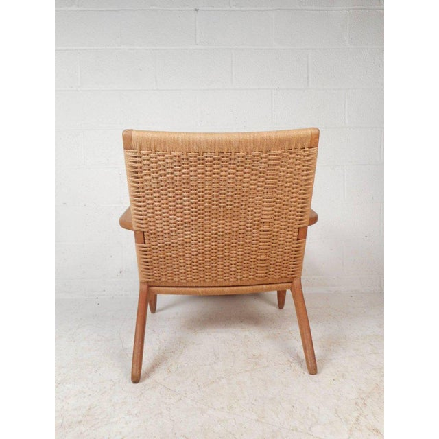 1970s Hans Wegner for Carl Hansen Mid-Century Modern Ch 25 Lounge Chair For Sale - Image 5 of 11