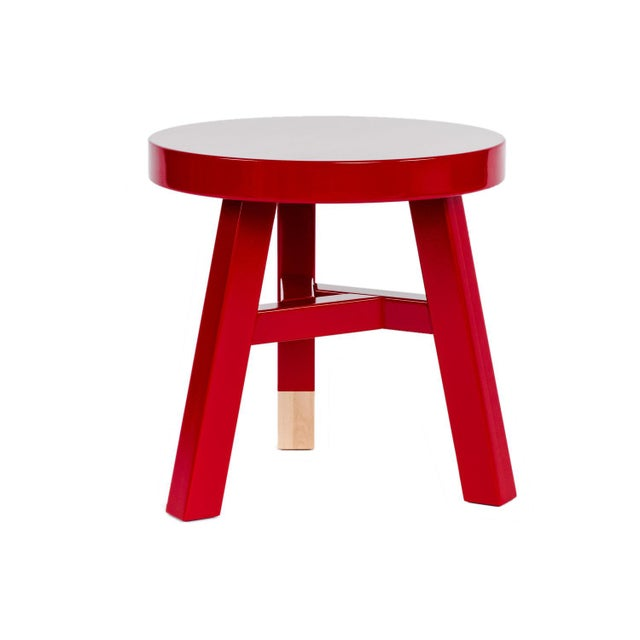 2020s Mooooi Red Lacquered Solid Birch Merchant Side Table For Sale - Image 5 of 5