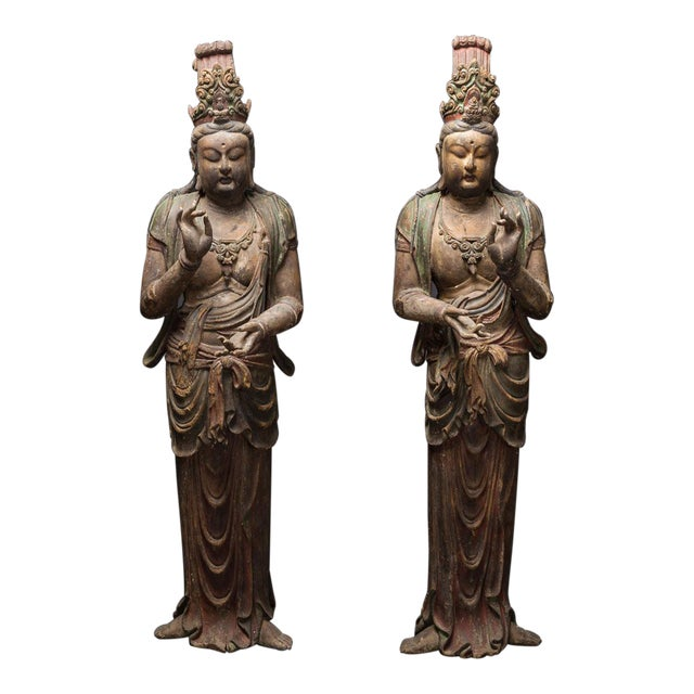 Pair of Lacquered Wooden Sculptures of Bodhisattvas For Sale