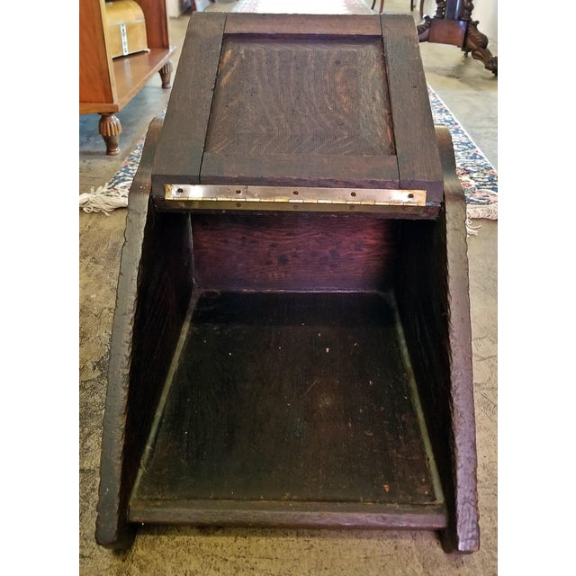 Country Early 19th Century British Regency Provincial Oak Coal Scuttle/Bin For Sale - Image 3 of 11