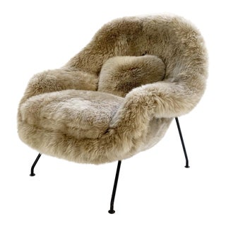 Vintage Eero Saarinen Womb Chair Restored in New Zealand Sheepskin For Sale