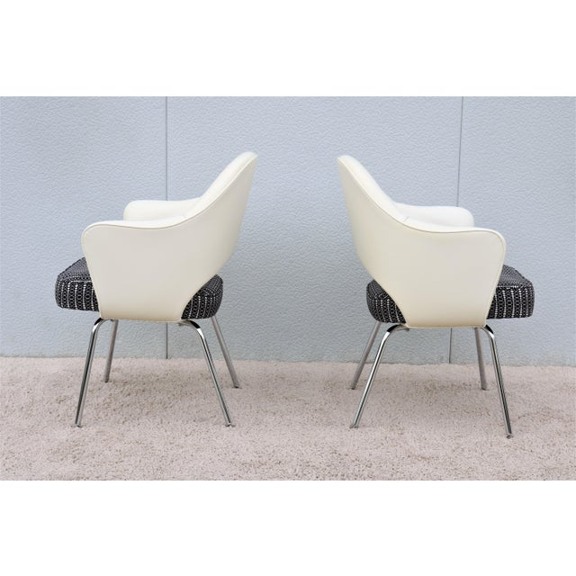 Mid-Century Modern Eero Saarinen for Knoll White Executive Arm Chairs - a Pair For Sale - Image 10 of 13
