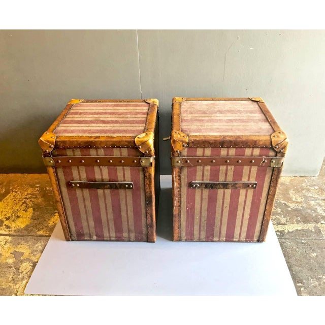 Pink Pair of French Canvas and Leather Hat Trunks, Late 19th Century For Sale - Image 8 of 10