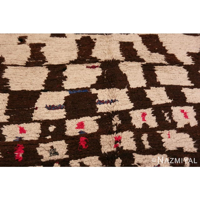 Vintage Mid-Century Modern Moroccan Rug - 4′ × 9′ For Sale - Image 4 of 9