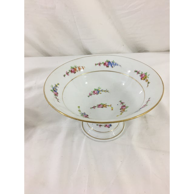 Dessert will never taste as good as it will served from one of these fabulous serving dishes! Includes a wonderful,...