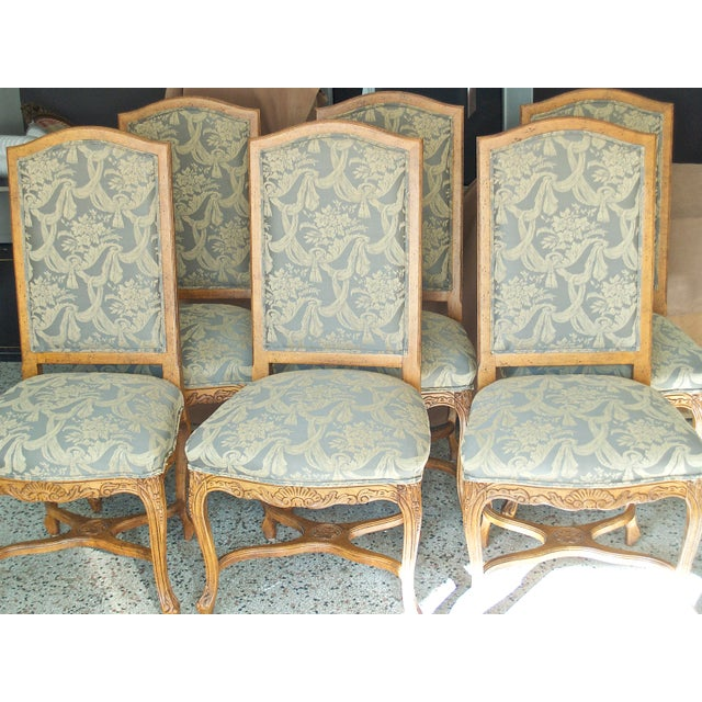 This is vintage set of 6 dining chairs purchased through Haverty's. These are very comfortable chairs from the 1990s....