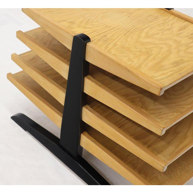 1950s Mid-Century Modern Oak 4-Tier Magazine Rack Stand Shelf Storage For Sale - Image 5 of 10