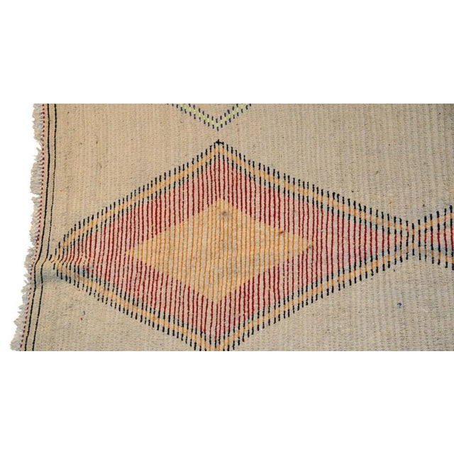 "Moroccan Vintage Beni Ouarain Rug - 5'9""x8'8"" For Sale - Image 4 of 4"