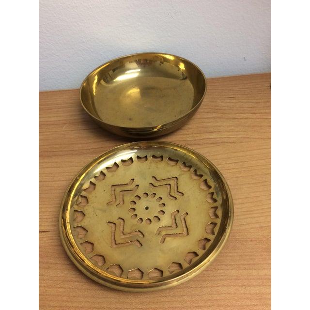 Pierced Brass Lidded Trinket Box For Sale In Milwaukee - Image 6 of 8