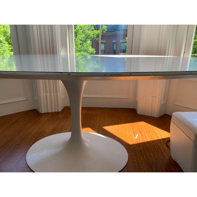 2010s Mid-Century Modern Eero Saarinen Tulip Dining Table For Sale - Image 5 of 7
