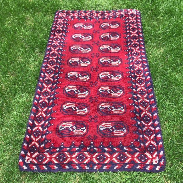 Textile Vintage Rug- 3' × 5′8″ For Sale - Image 7 of 7